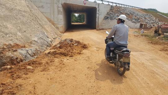 Chủ đầu tư nói gì về cao tốc Đà Nẵng – Quảng Ngãi 34.000 tỉ đầy 'ổ gà'? Ảnh 8
