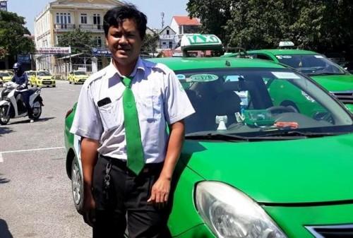 Huế: Tài xế taxi đỡ đẻ thành công cho thai phụ trở dạ trên xe Ảnh 1