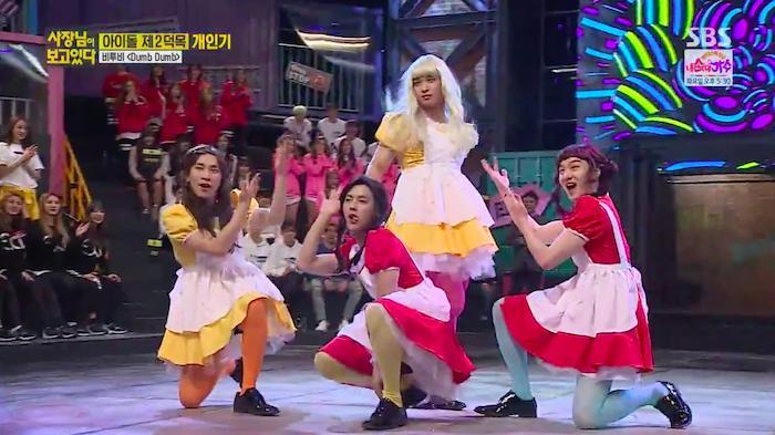 Những trang phục biểu diễn từng làm dậy sóng MXH của dàn sao Kpop Ảnh 5
