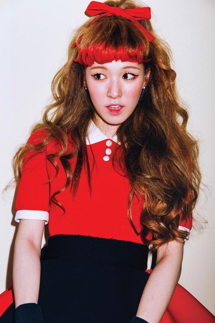 Những trang phục biểu diễn từng làm dậy sóng MXH của dàn sao Kpop Ảnh 1