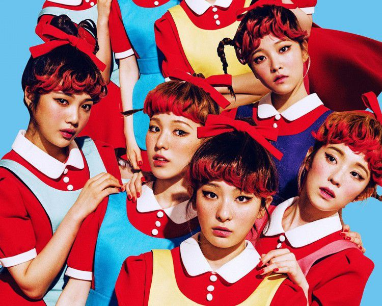Những trang phục biểu diễn từng làm dậy sóng MXH của dàn sao Kpop Ảnh 2