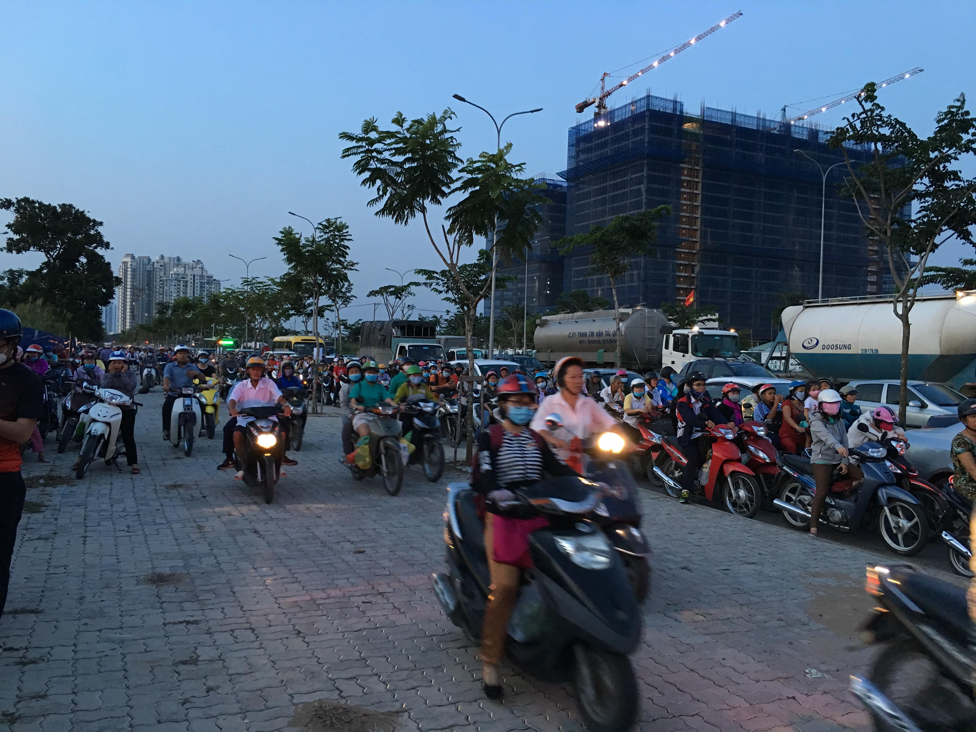 Triều cường bủa vây TP.Hồ Chí Minh Ảnh 8