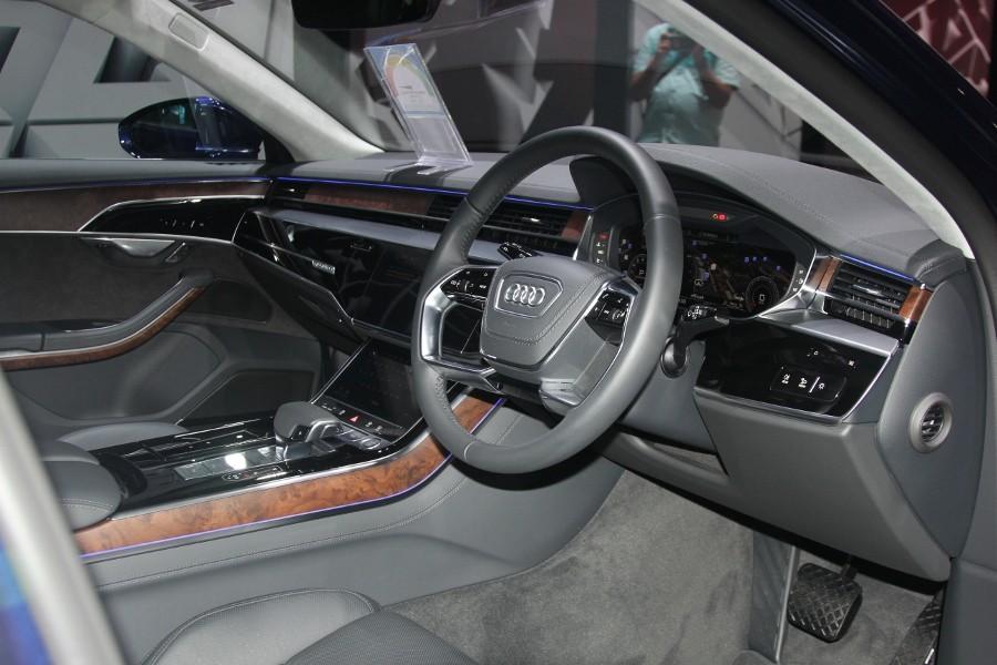 Cận cảnh Audi A8L 2018 phiên bản kéo dài giá hơn 7 tỷ đồng Ảnh 8