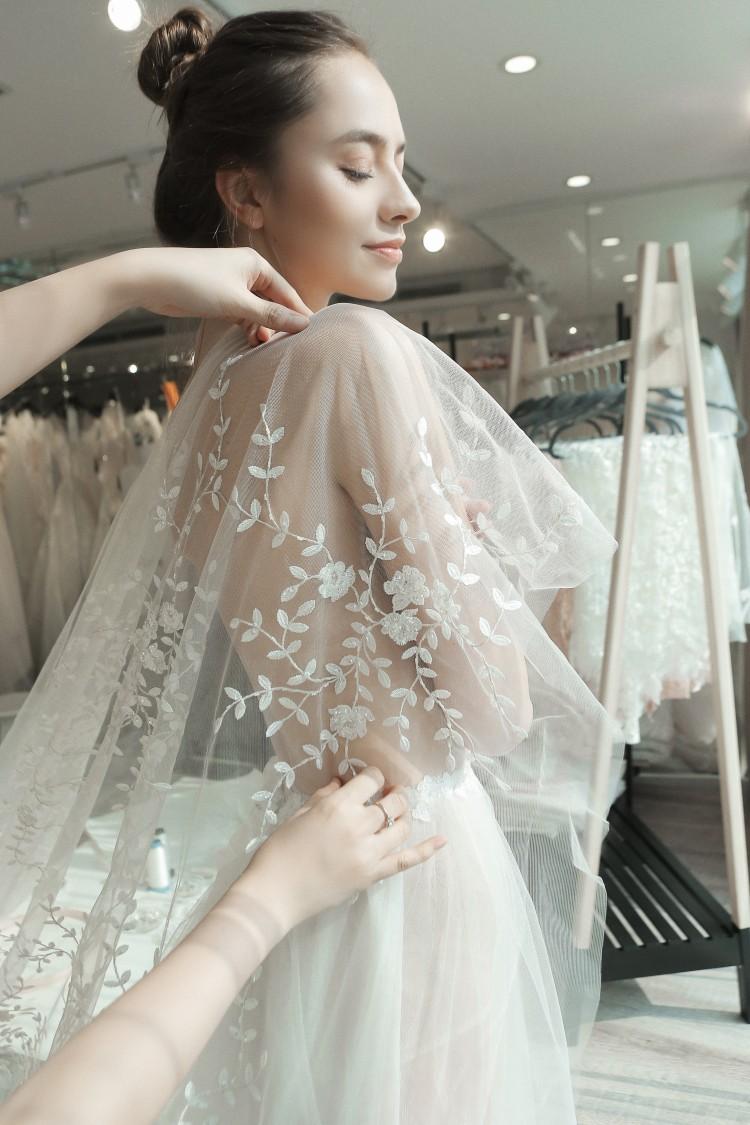 NTK Phương Linh tất bật với Calla Show - 'khu vườn váy cưới' được mong chờ nhất năm 2018 Ảnh 1