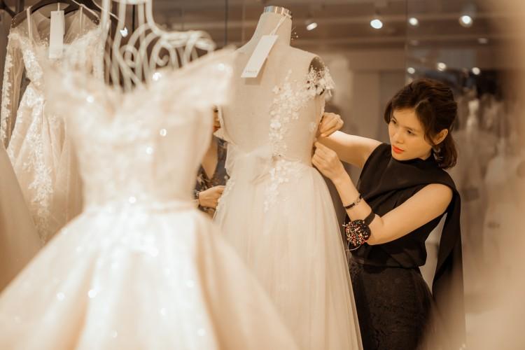 NTK Phương Linh tất bật với Calla Show - 'khu vườn váy cưới' được mong chờ nhất năm 2018 Ảnh 2