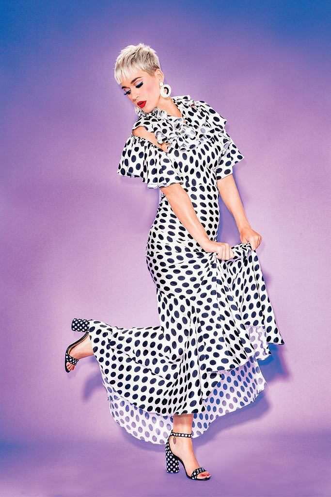 Katy Perry diện 'cây hồng' xinh như búp bê Barbie Ảnh 16