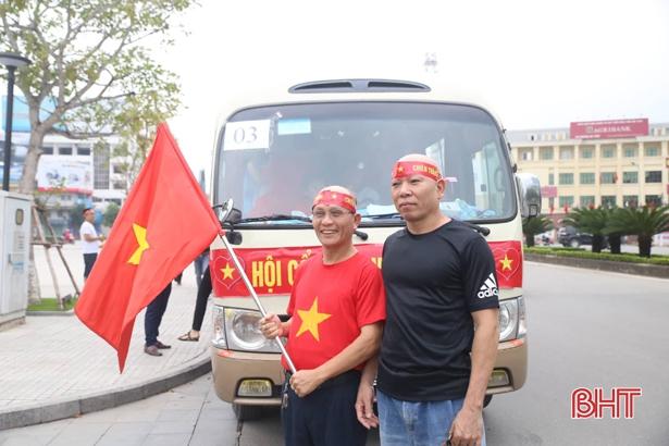 Trực tiếp play-off Nam Định vs Hà Nội B: CĐV Hà Tĩnh 'đổ bộ' sân Vinh Ảnh 2