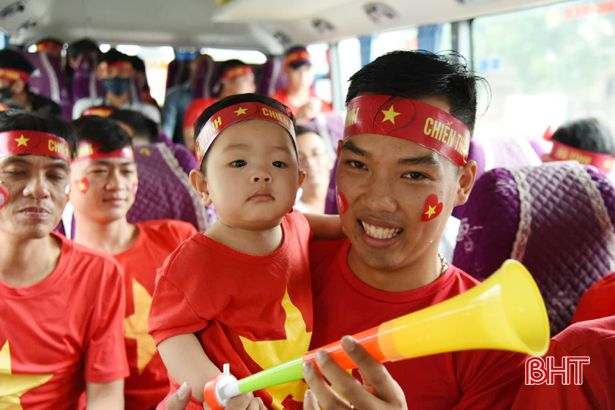 Trực tiếp play-off Nam Định vs Hà Nội B: CĐV Hà Tĩnh 'đổ bộ' sân Vinh Ảnh 5