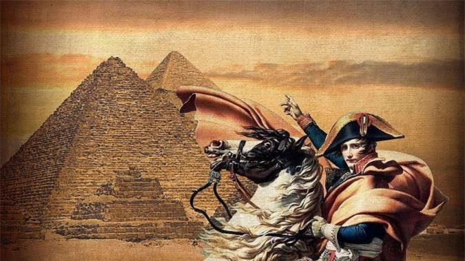 Napoleon bị 'ma ám' khi qua đêm trong kim tự tháp Ai Cập? Ảnh 1