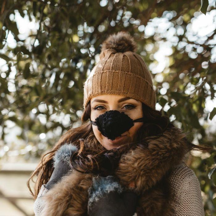 Độc đáo chiếc khẩu trang giữ ấm mũi ngày đông lạnh Ảnh 9