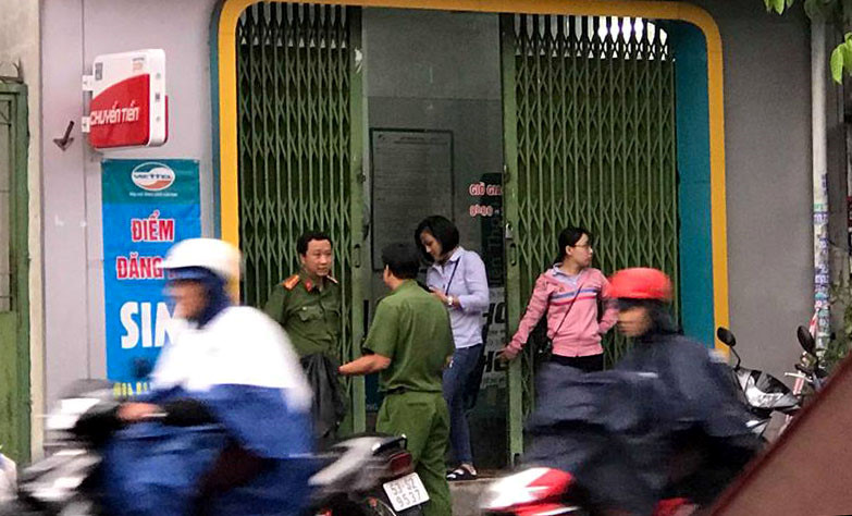 Két sắt cửa hàng Viettel ở Sài Gòn bị trộm đánh cắp Ảnh 1