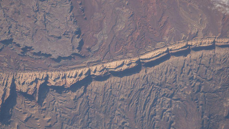 Hình ảnh Trái Đất đẹp khó tin nhìn từ trạm không gian ISS Ảnh 3
