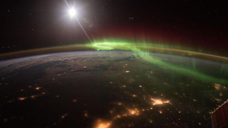 Hình ảnh Trái Đất đẹp khó tin nhìn từ trạm không gian ISS Ảnh 12