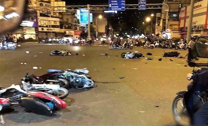 Nữ tài xế lái 'xe điên' đâm hàng loạt xe máy có biểu hiện say xỉn và hoảng sợ Ảnh 1