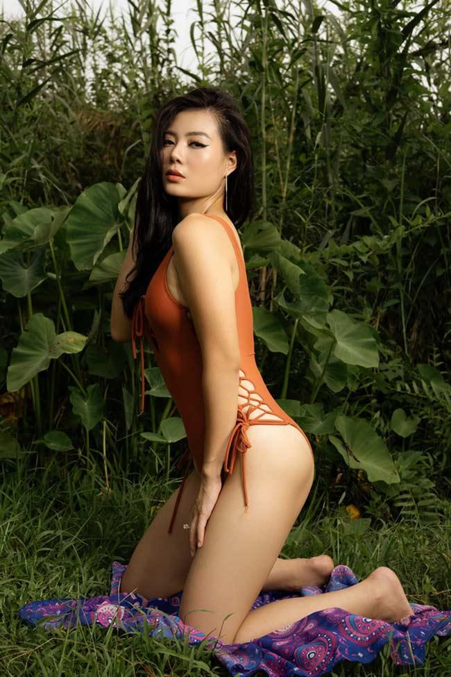 Hoa khôi mới và hết thời của 'karaoke Thiên Thai' đọ phong cách nóng bỏng Ảnh 12