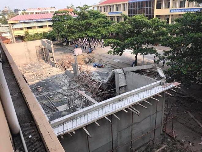 Đang thi công, công trình hội trường trường học 1,7 tỷ đồng ở Đồng Nai đổ sập ảnh 1