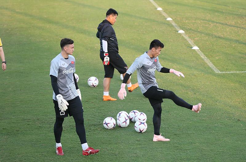 Ông Hải 'lơ': 'Tuyển Việt Nam sợ gì Thái Lan, vô địch AFF Cup thôi!' Ảnh 3