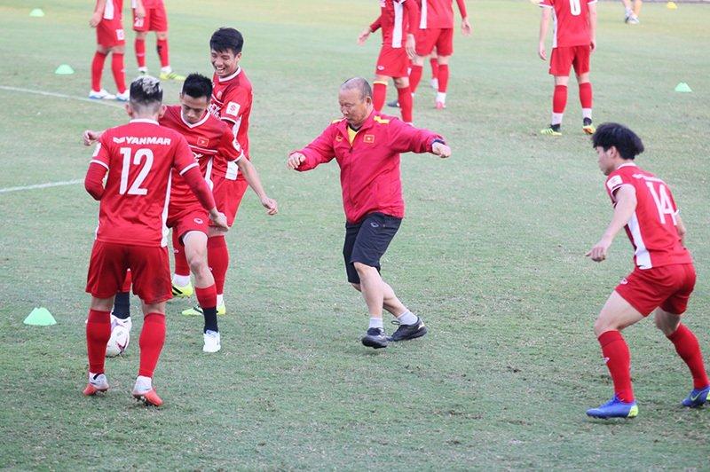 Tiến Dũng trở lại, thầy Park bị học trò 'hành' Ảnh 6
