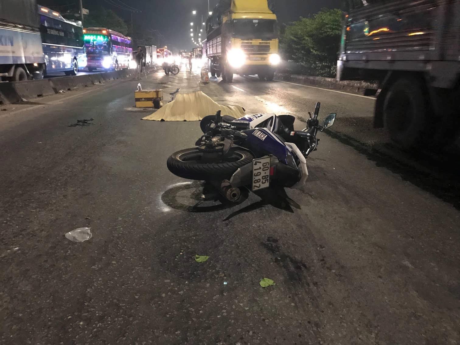 Ô tô bỏ chạy khỏi hiện trường sau tai nạn, để lại thi thể nạn nhân Ảnh 1