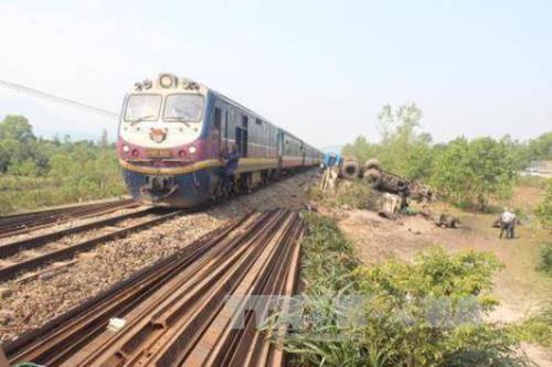 Áp dụng công nghệ để giám sát chặt an toàn giao thông đường sắt Ảnh 1