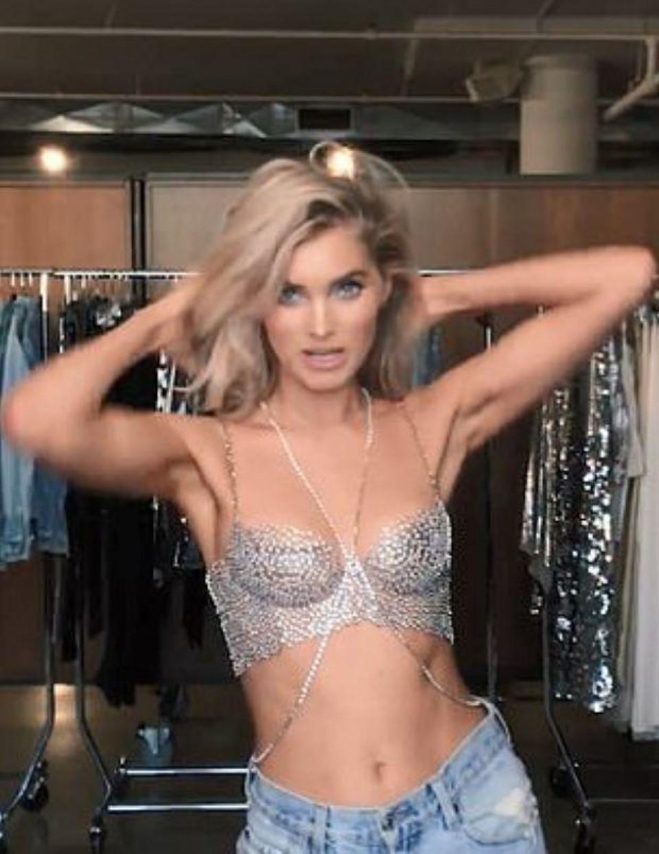 'Thiên thần' Victoria's Secret khoe áo ngực triệu đô trước show diễn Ảnh 2