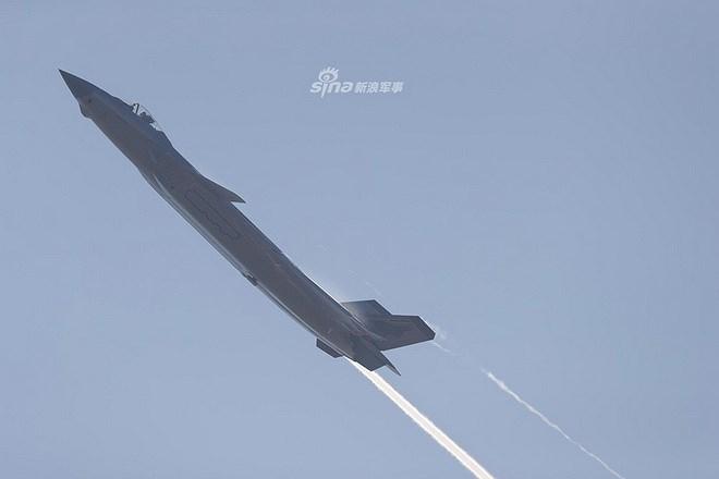 Màn trình diễn của tiêm kích tàng hình J-20 bị coi là 'nỗi thất vọng lớn' Ảnh 10