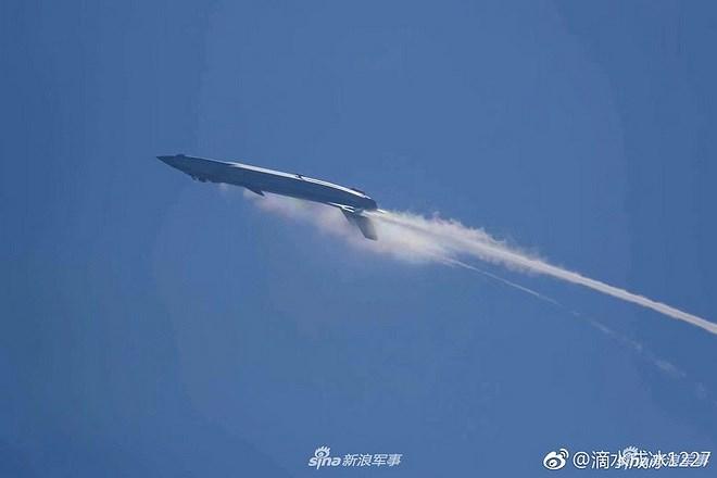 Màn trình diễn của tiêm kích tàng hình J-20 bị coi là 'nỗi thất vọng lớn' Ảnh 12