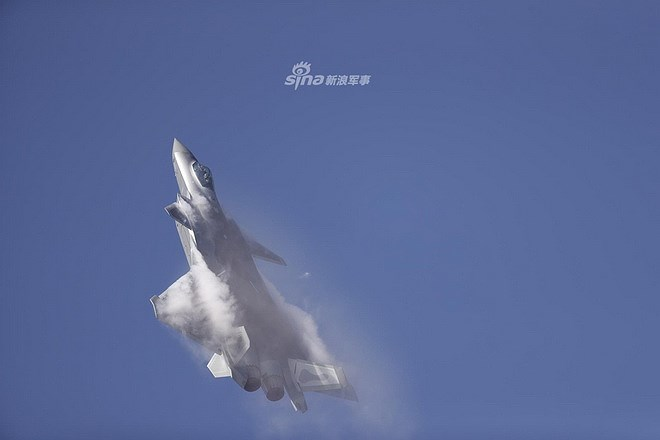 Màn trình diễn của tiêm kích tàng hình J-20 bị coi là 'nỗi thất vọng lớn' Ảnh 5