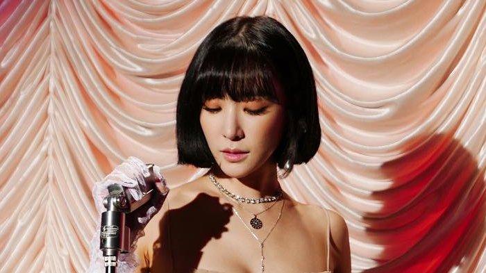 Những ngôi sao xứ Hàn không ngại cắt phăng mái tóc dài quen thuộc để làm mới hình tượng Ảnh 24