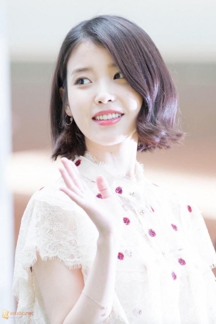 Những ngôi sao xứ Hàn không ngại cắt phăng mái tóc dài quen thuộc để làm mới hình tượng Ảnh 14