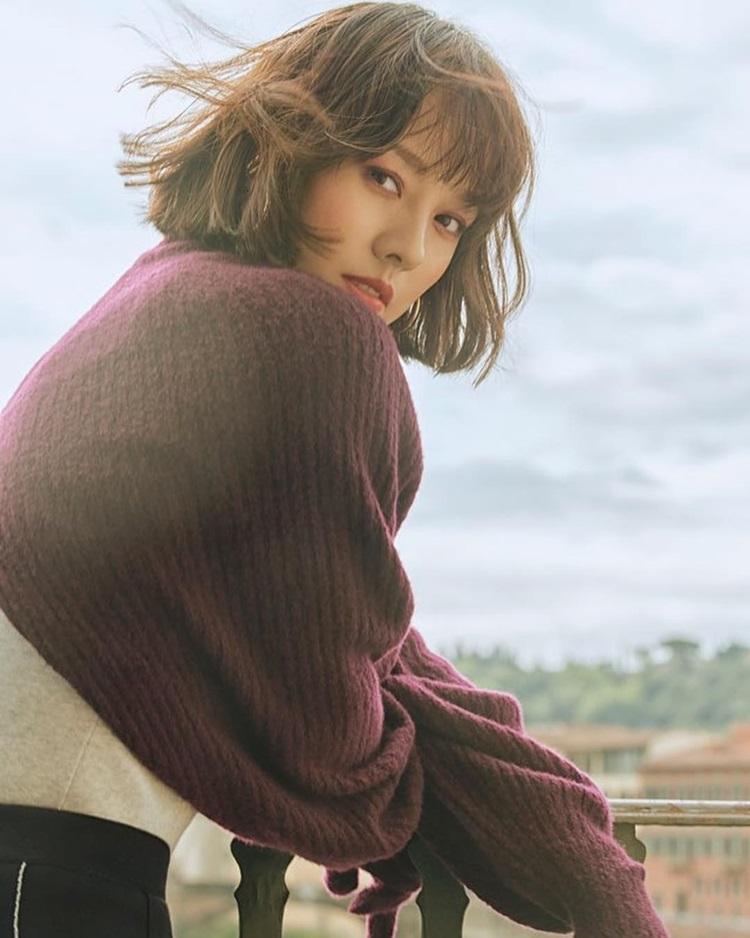Những ngôi sao xứ Hàn không ngại cắt phăng mái tóc dài quen thuộc để làm mới hình tượng Ảnh 10
