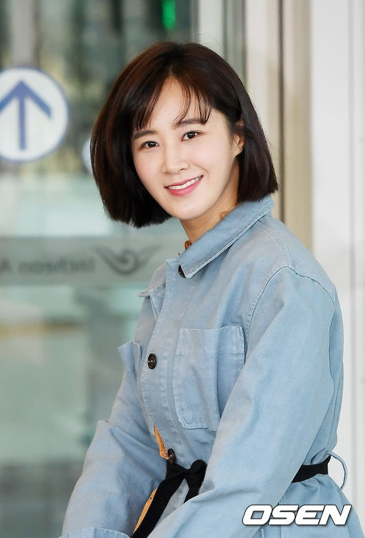 Những ngôi sao xứ Hàn không ngại cắt phăng mái tóc dài quen thuộc để làm mới hình tượng Ảnh 16