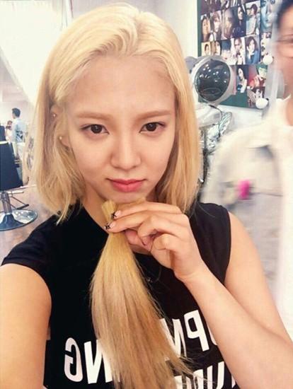 Những ngôi sao xứ Hàn không ngại cắt phăng mái tóc dài quen thuộc để làm mới hình tượng Ảnh 22