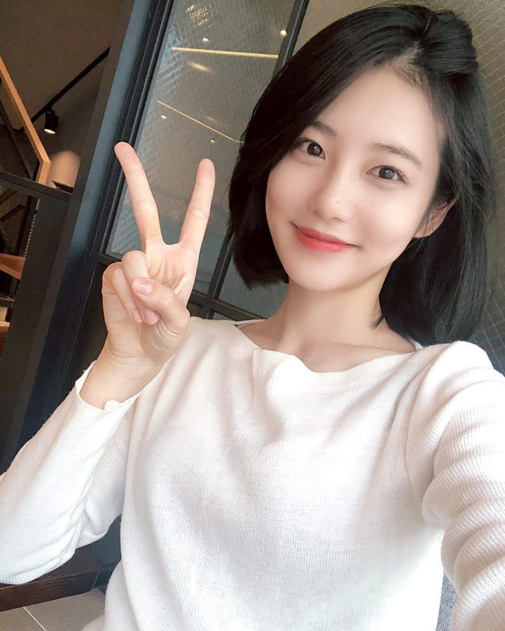 Những ngôi sao xứ Hàn không ngại cắt phăng mái tóc dài quen thuộc để làm mới hình tượng Ảnh 5