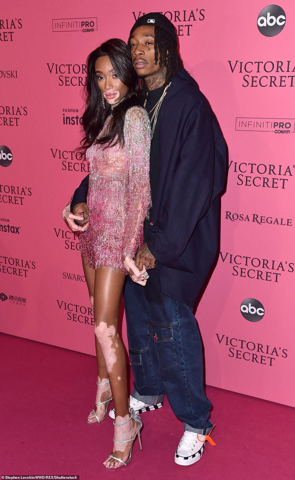 Bella Hadid diện mốt không nội y dự tiệc Victoria's Secret Show Ảnh 11