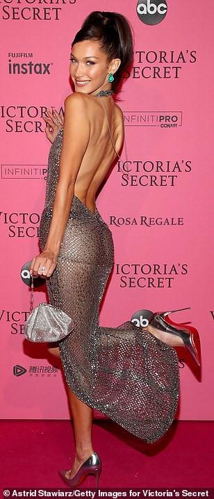 Bella Hadid diện mốt không nội y dự tiệc Victoria's Secret Show Ảnh 3