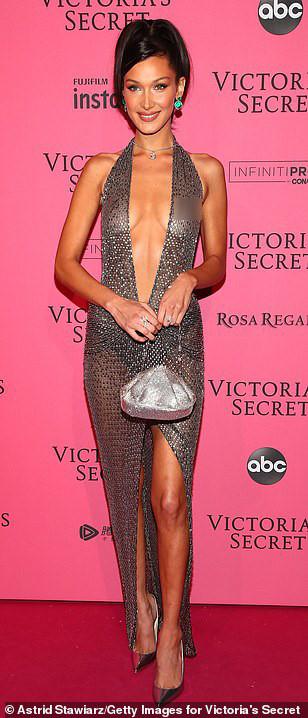 Bella Hadid diện mốt không nội y dự tiệc Victoria's Secret Show Ảnh 2