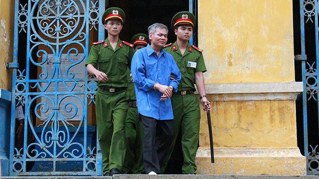 Bắt giam hai cựu Tổng giám đốc Bảo hiểm Xã hội Việt Nam ảnh 1