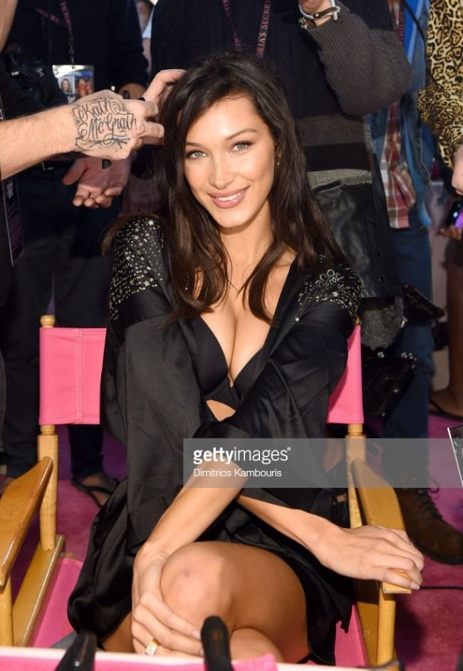 Đột nhập hậu trường Victoria's Secret Fashion Show 2018 Ảnh 2