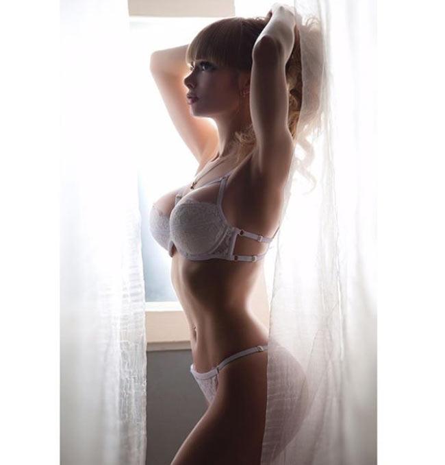 Cô gái được mệnh danh 'búp bê sống xinh nhất nước Nga' Ảnh 17