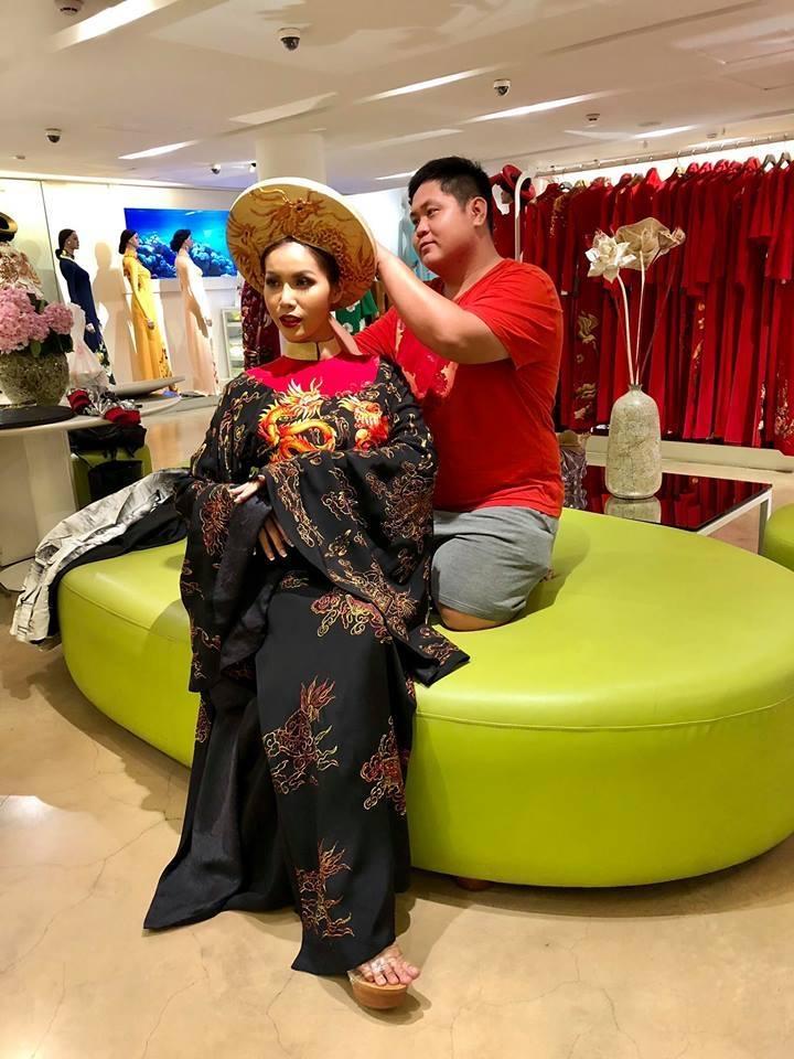 Bị chê xấu dữ dội, fan hy vọng đây không phải là Quốc phục của Minh Tú tại Miss Supranational 2018! Ảnh 1