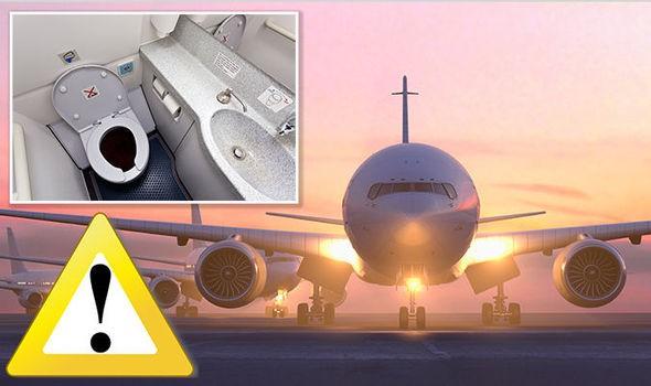 Tiết lộ những bí mật khó tin về nhà vệ sinh trên máy bay Ảnh 1