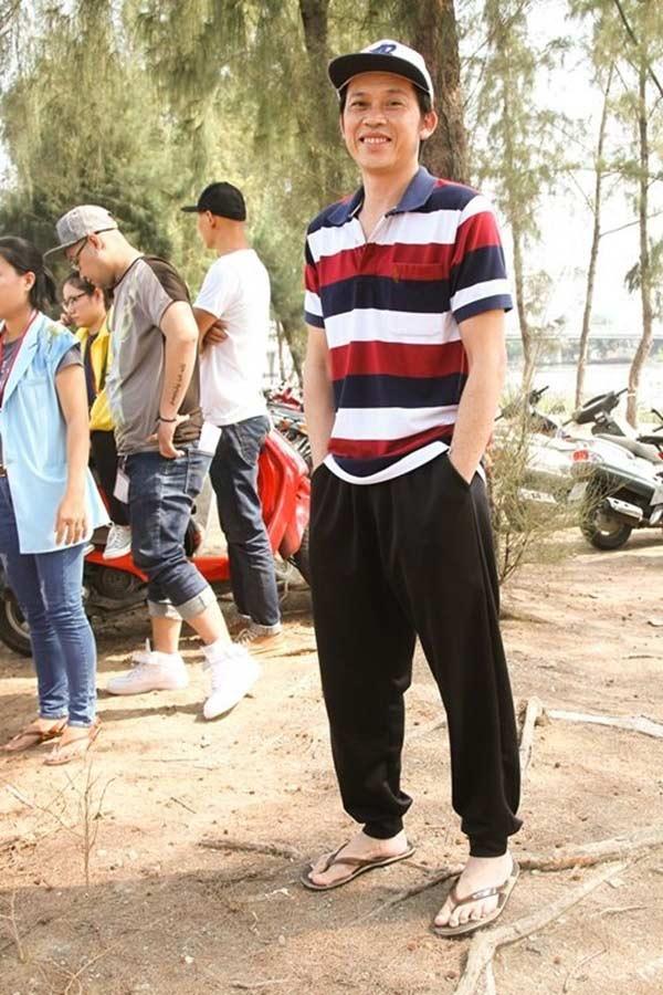 Giàu hiếm ai bằng nhưng Hoài Linh vẫn chỉ mặc áo thun bình dân Ảnh 8