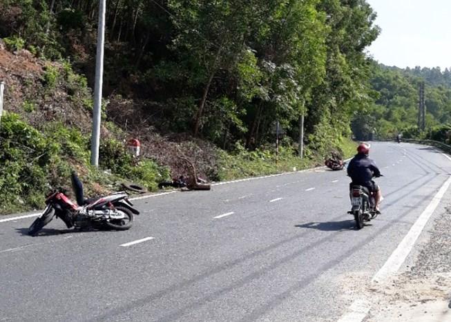 2 mô tô húc văng xe máy quân nhân ở đèo Hải Vân Ảnh 1
