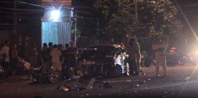 Bình Dương: Tai nạn liên hoàn giữa 5 phương tiện, 3 người bị thương Ảnh 1