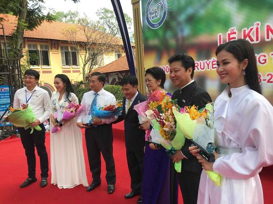 Ca sĩ Đông Nhi hát mừng 100 năm thành lập Trường THPT Marie Curie Ảnh 2