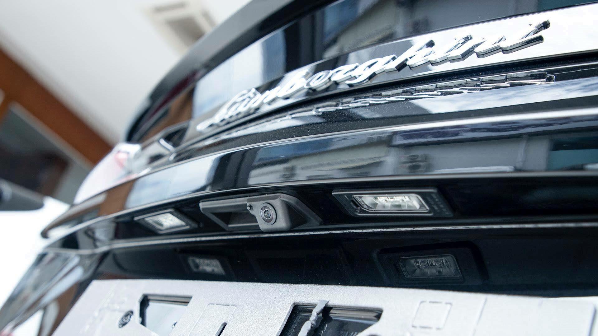 Cận cảnh 'siêu SUV' Lamborghini Urus thứ ba đặt chân đến Campuchia Ảnh 9
