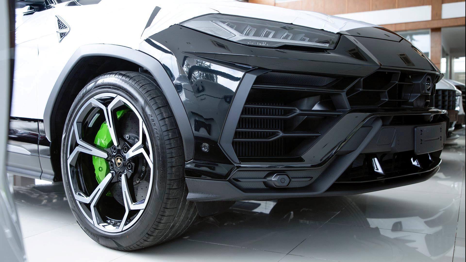 Cận cảnh 'siêu SUV' Lamborghini Urus thứ ba đặt chân đến Campuchia Ảnh 2