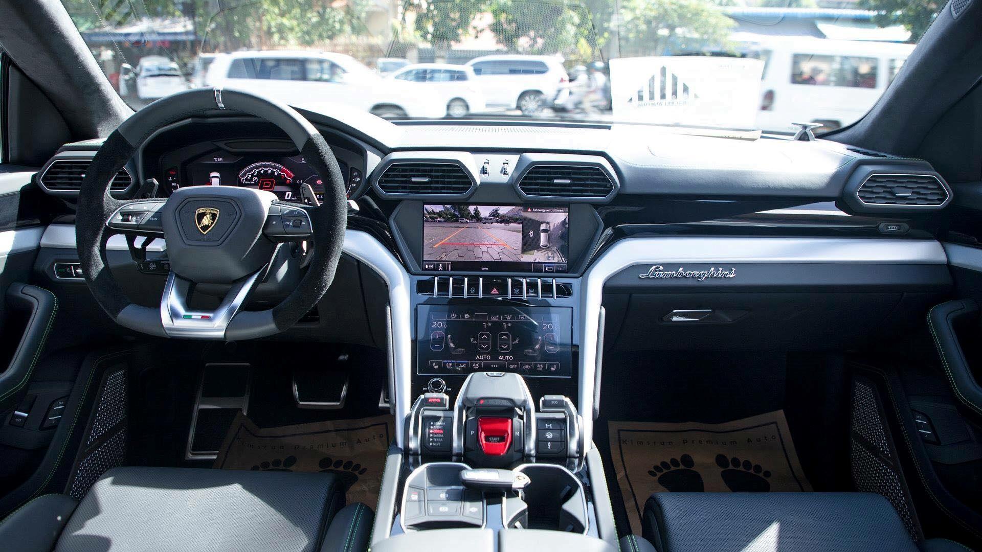 Cận cảnh 'siêu SUV' Lamborghini Urus thứ ba đặt chân đến Campuchia Ảnh 7