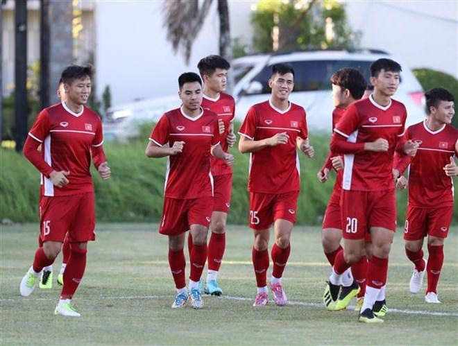 Trung vệ Duy Mạnh khẳng định 'mục tiêu là chiến thắng Philippines' Ảnh 1